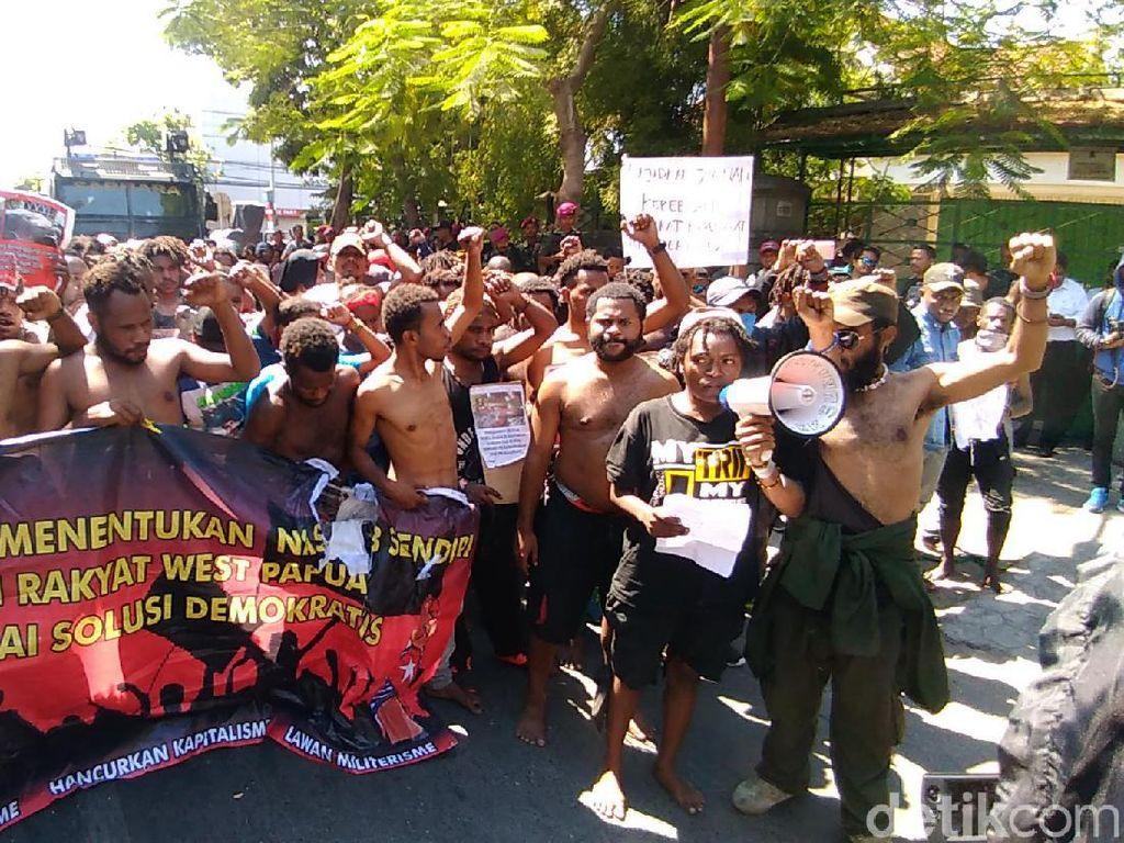Demo Mahasiswa Papua di Surabaya Bubar Usai 6 Rekannya Dilepas