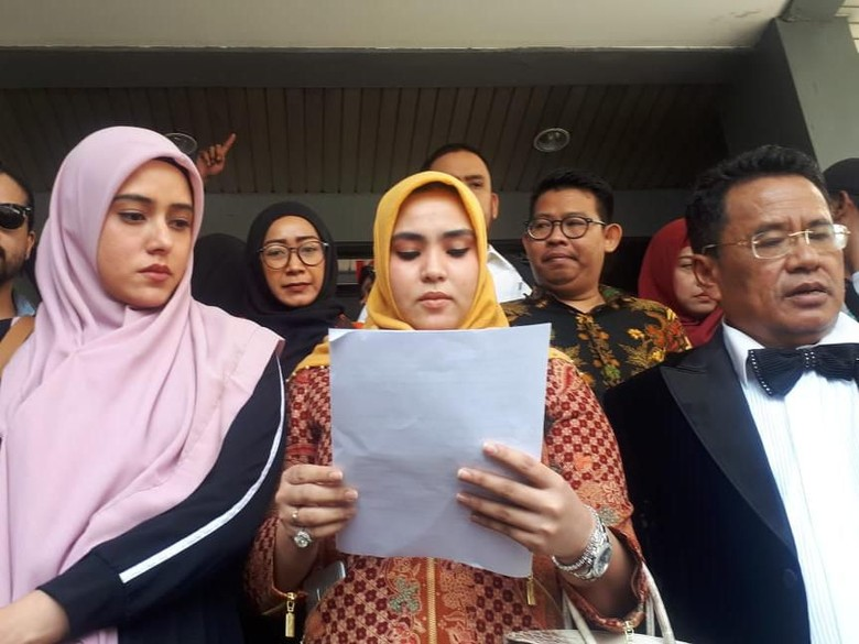 Fairuz Menangis karena Terluka Dipermalukan Galih Ginanjar