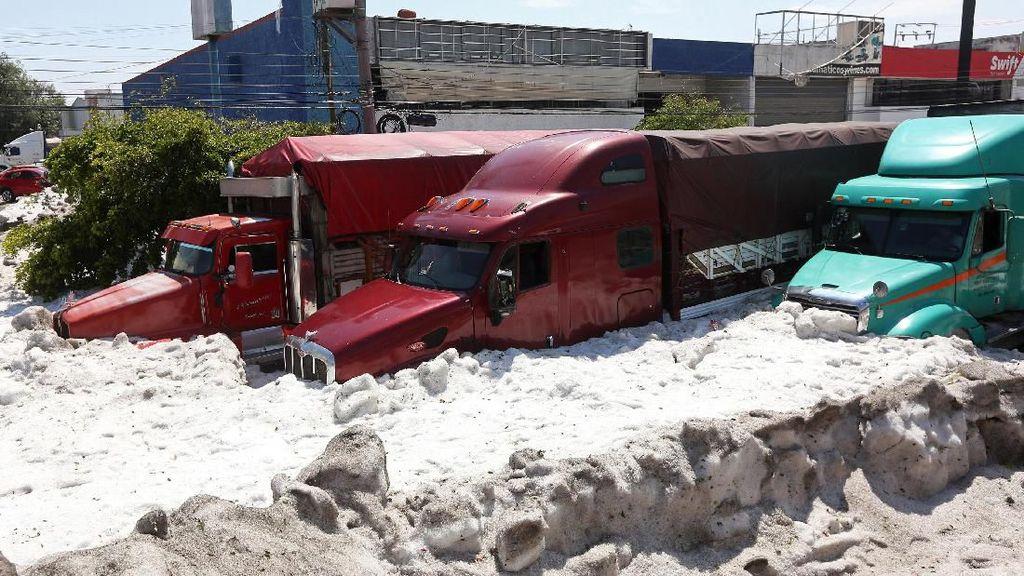 Potret Langka Meksiko Diterjang Badai Salju