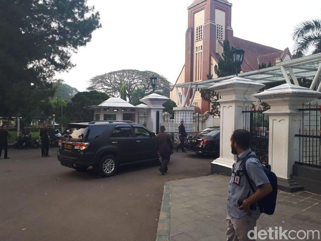Setelah Golkar, Jokowi Bertemu Yusril di Istana Bogor