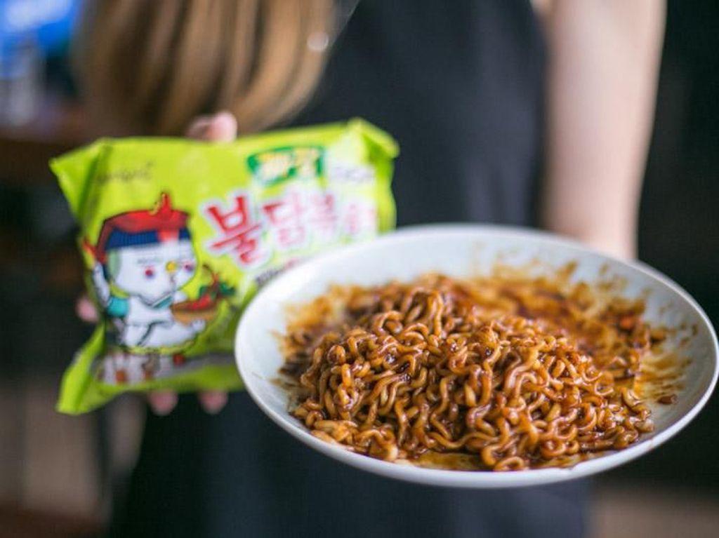 7 Ramen Instan Populer Korea, Pedas Menggigit hingga Gurih Kental