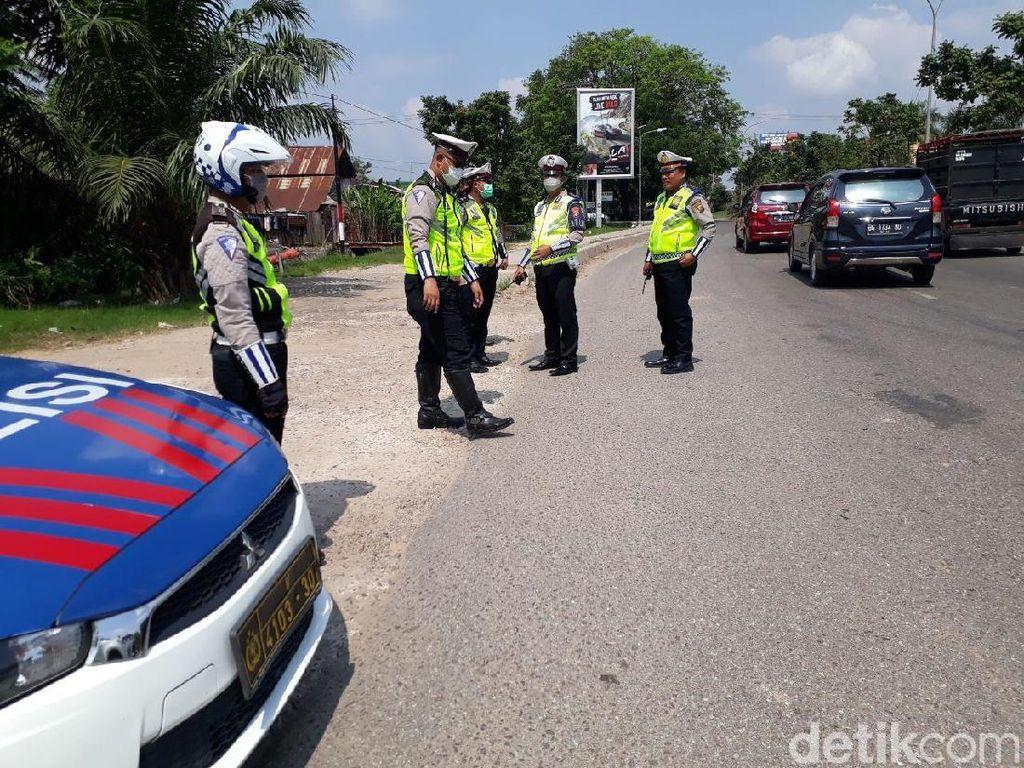 Polisi Tilang 19 Kendaraan di Lokasi Pengendara Ngegas karena Lawan Arah