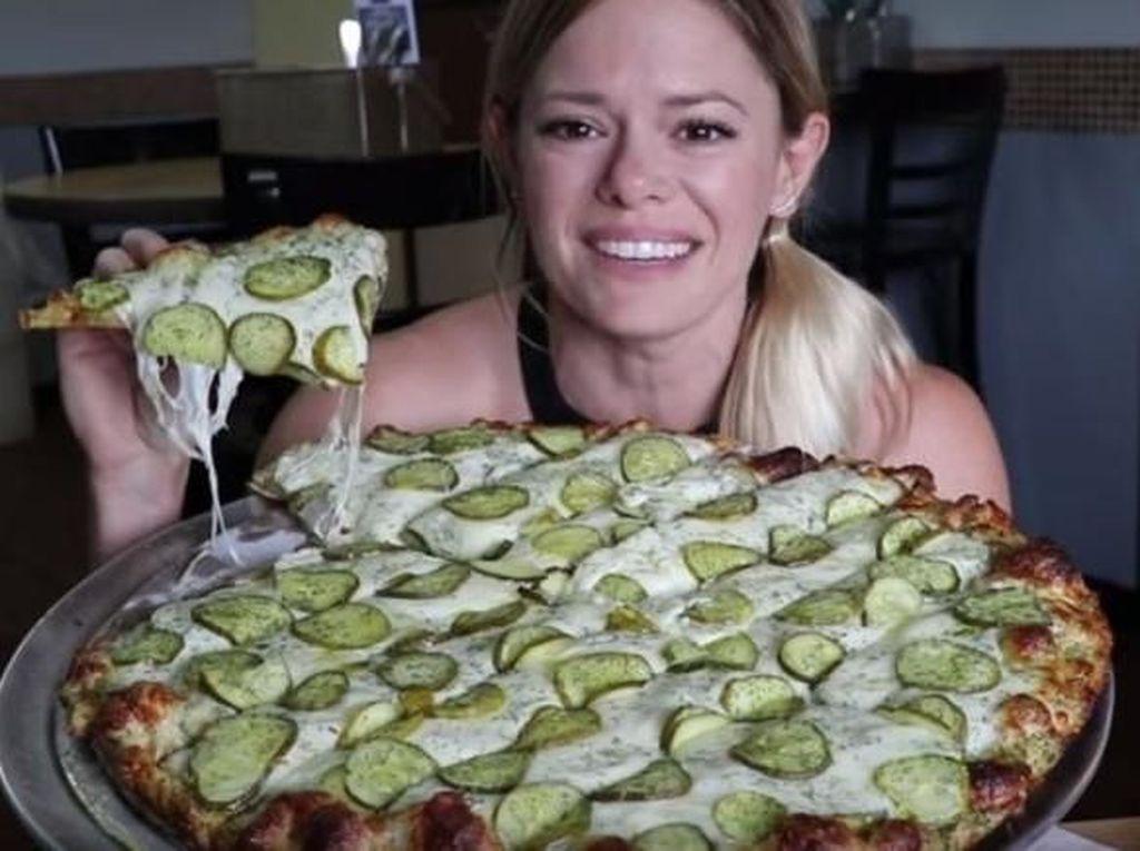 Setelah Nanas, Kini Acar Mentimun Jadi Topping Pizza Kekinian