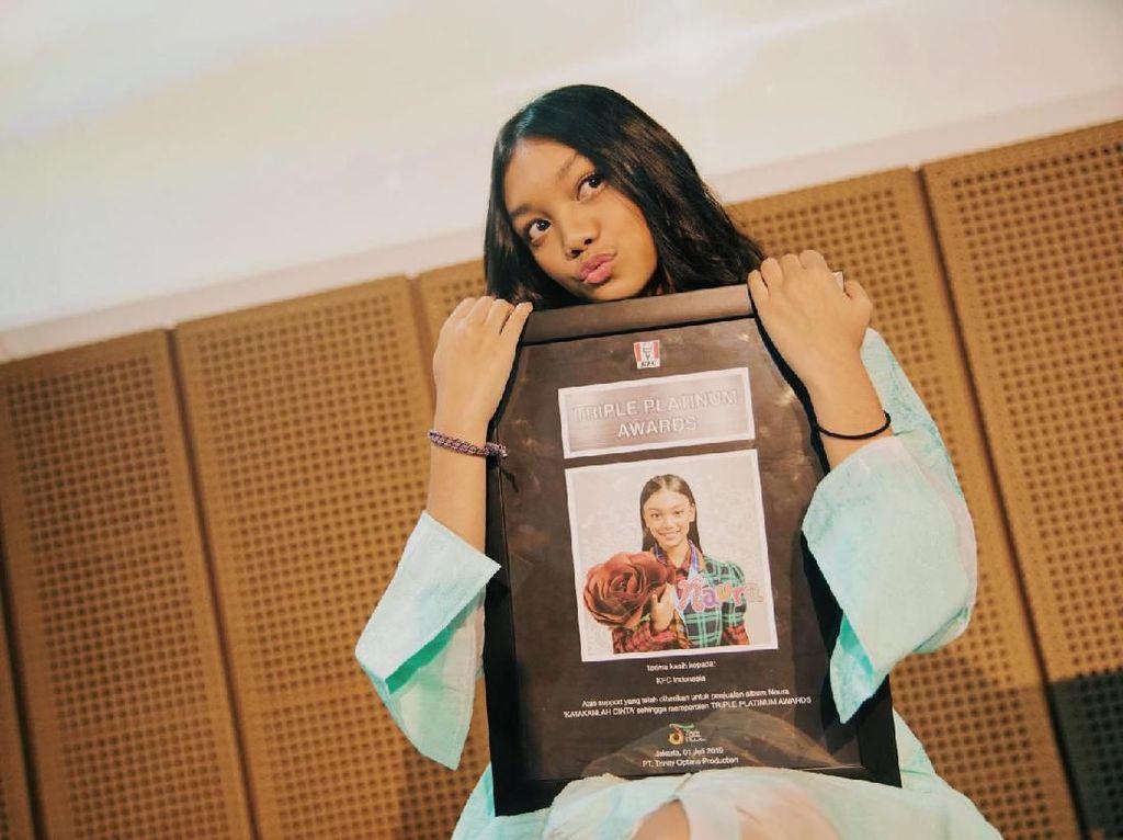 Indonesia Krisis Lagu Anak, Naura Malah Sabet Triple Platinum