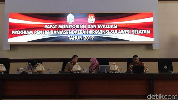 Tim KPK melakukan rapat koordinasi dengan Pemprov Sulawesi Selatan membahas rekonsiliasi pajak penyerahan kantor hingga pajak reklame.