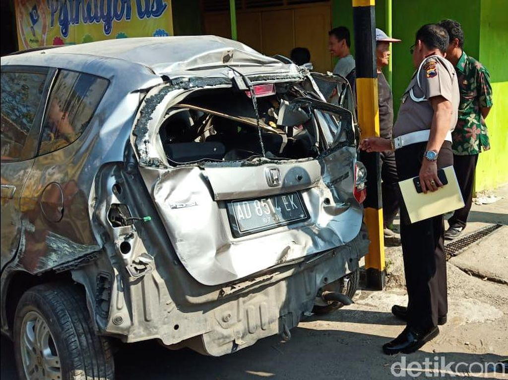 Kecelakaan KA Batara Kresna dan Mobil di Sukoharjo, 1 Orang Terluka