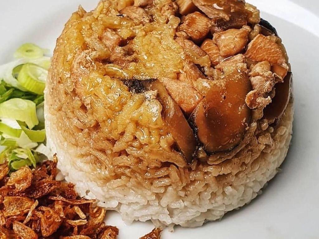 Resep Nasi Tim Ayam yang Lembut Gurih