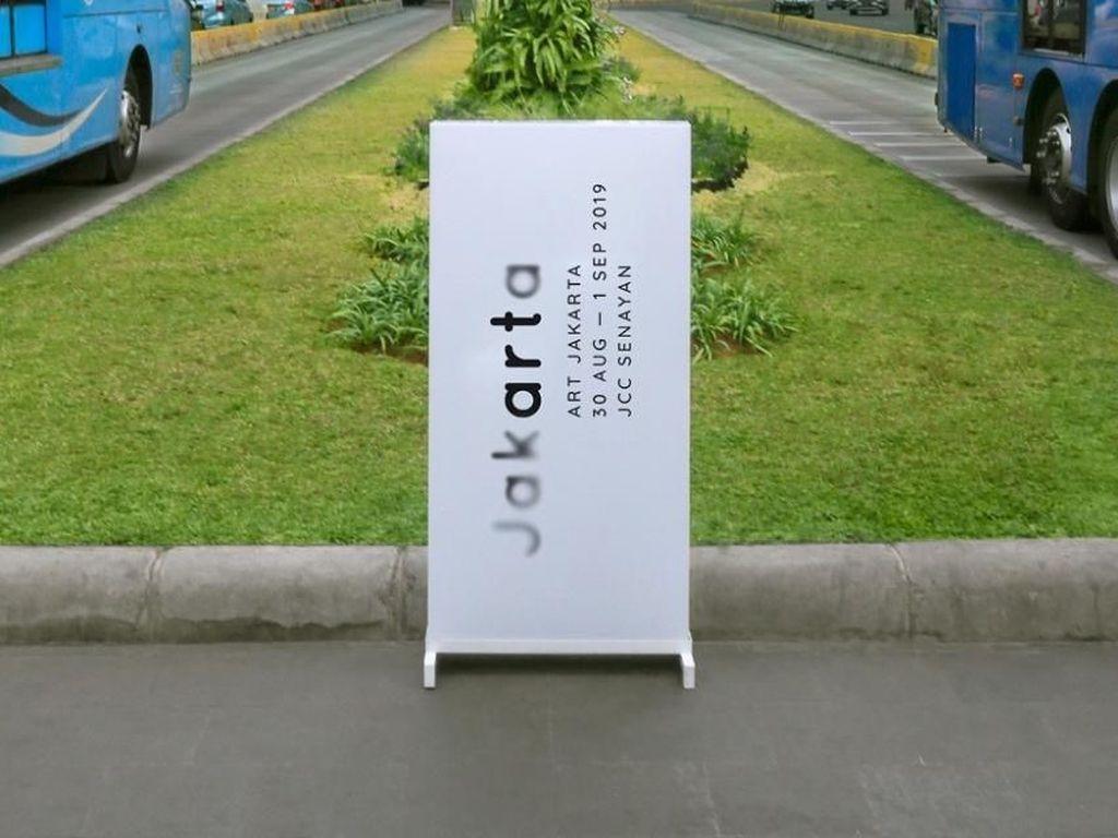 Hadir di Art Jakarta, Balai Lelang Phillips Bawa KAWS hingga Jeff Koons