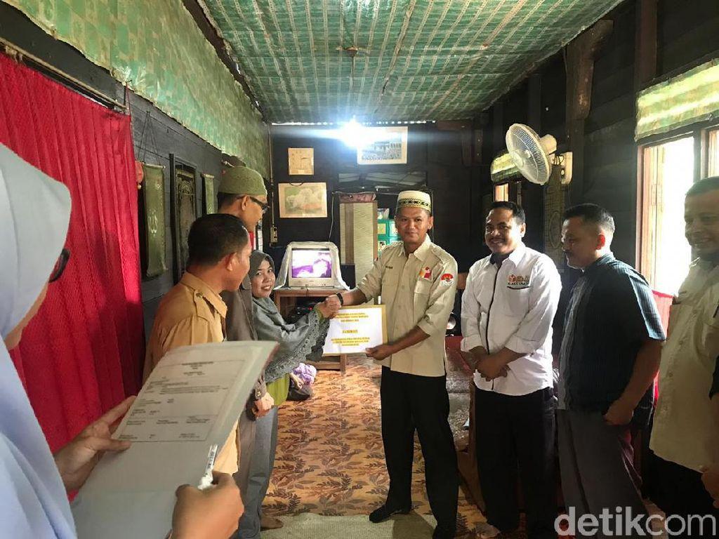 Bawaslu Beri Santunan ke Anggota Panwas di Riau yang Keguguran