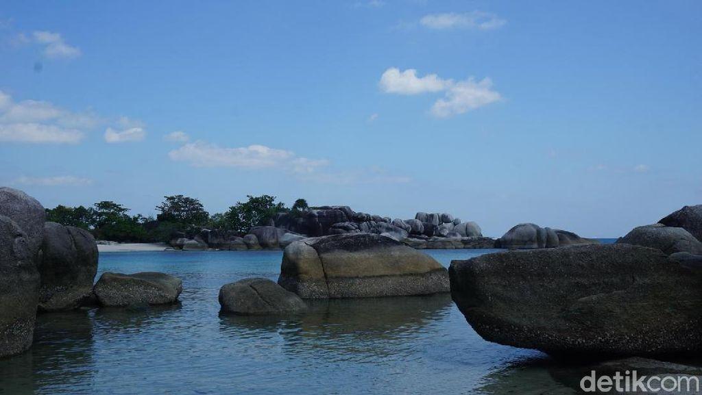 Foto: Tak Pernah Bosan ke Pantai Laskar Pelangi di Belitung