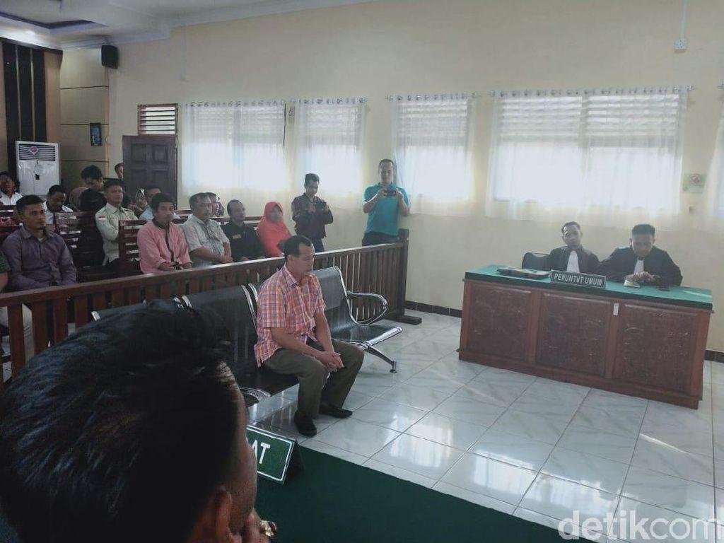 Terima Suap dari Caleg, Anggota Bawaslu di Riau Divonis 4 Bulan Penjara