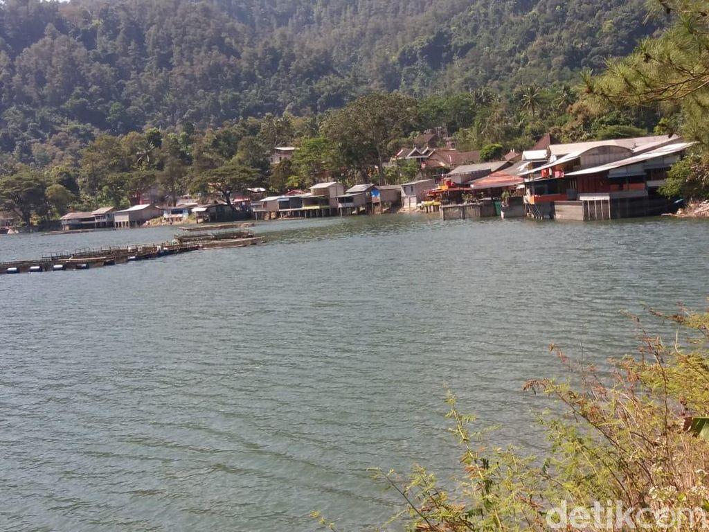 18 Rumah Makan Tak Ber-IMB Penuhi Pinggiran Telaga Ngebel Ponorogo