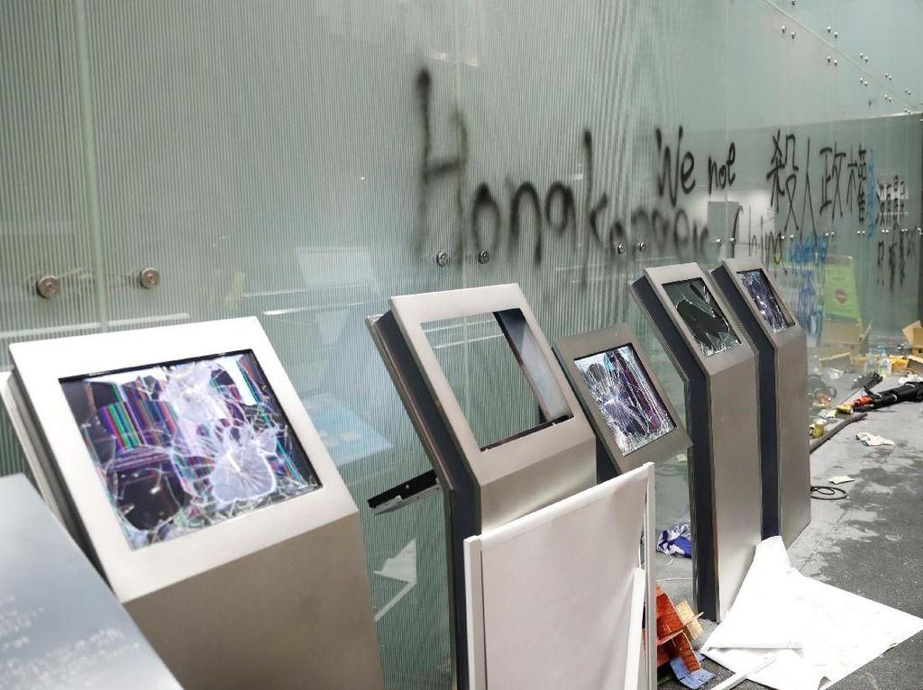 Hong Kong Resesi, Uang Kiriman TKI Terganggu?