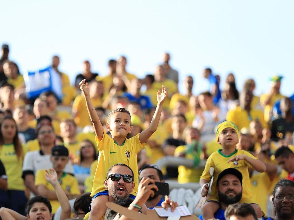 Tite Berharap Dukungan Penuh Fans saat Hadapi Argentina