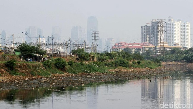 Curhat Anies: Sungai Ditangani Pusat, Pas Banjir Ramainya ke Gubernur