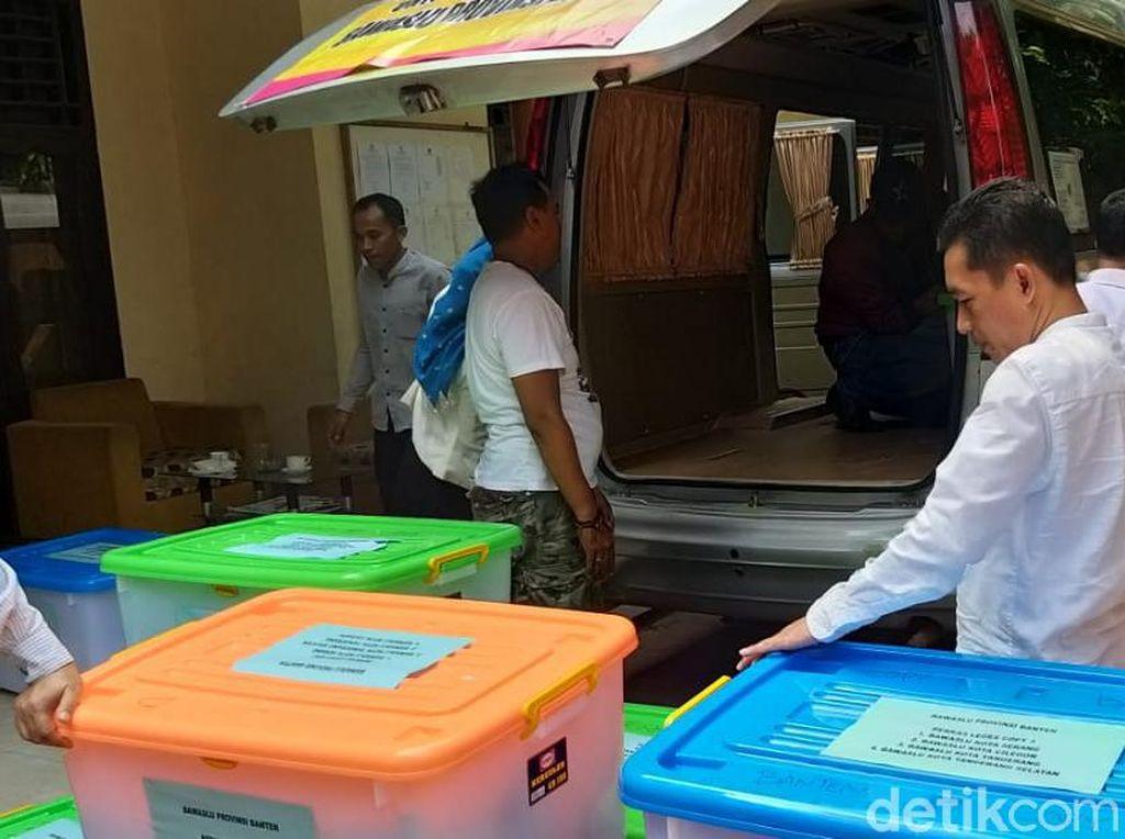 9 Gugatan di MK Terdaftar dari Banten, Bawaslu Kirim 13 Boks Barang Bukti