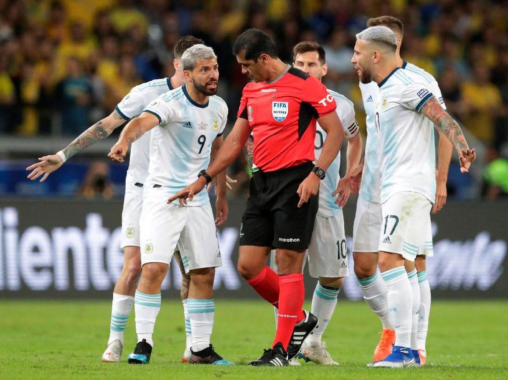 Zanetti Sulit Terima Drama VAR di Laga Brasil Vs Argentina