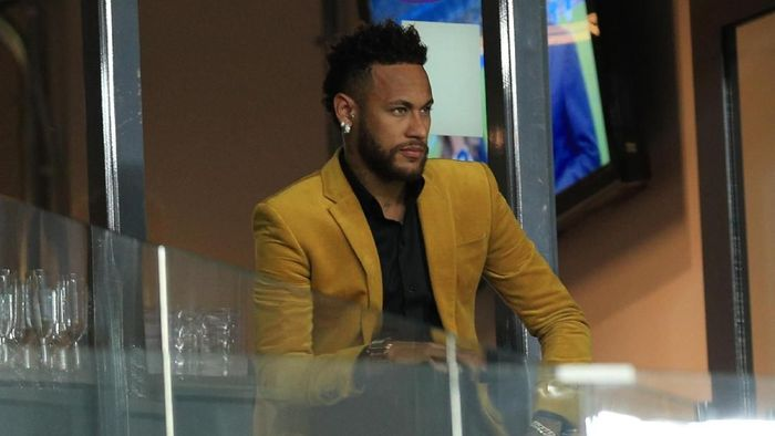 Masa depan Neymar di Paris Saint-Germain masih abu-abu. (Foto: Buda Mendes / Getty Images)