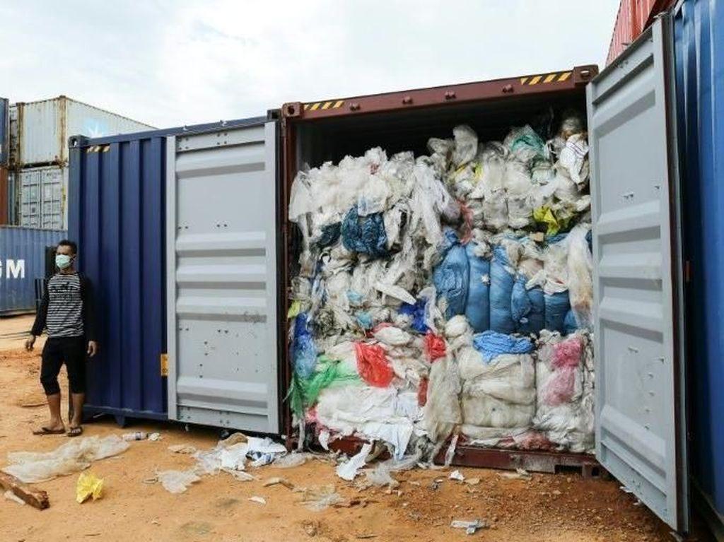 Sri Lanka Pulangkan 242 Kontainer Limbah ke Inggris, Isinya Ada Bagian Tubuh