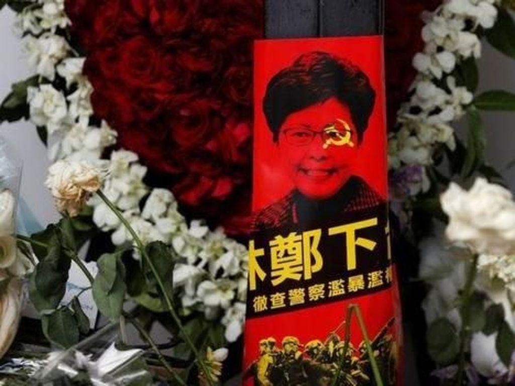China Sebut Demonstran Perusak Parlemen Hong Kong Menginjak-injak Hukum