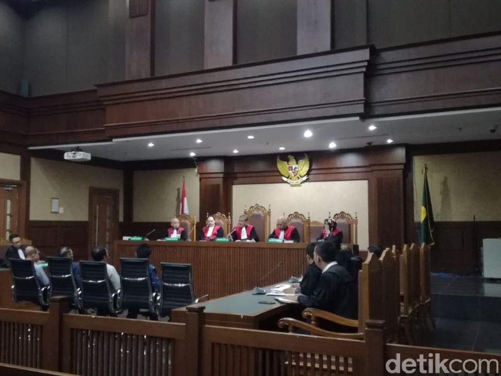 Terbukti Terima Suap, 2 Eks Anggota DPRD Kalteng Divonis 5 Tahun Bui