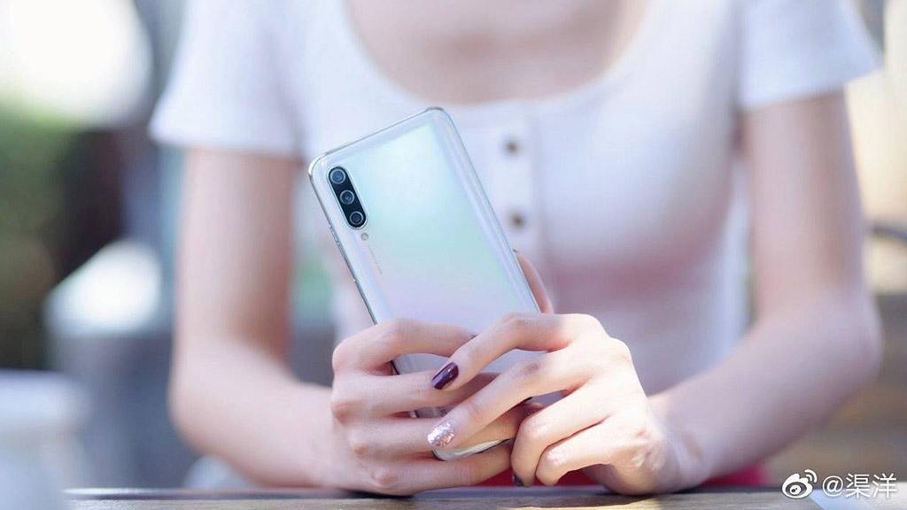 Penampakan Xiaomi Mi CC9 yang Menggoda