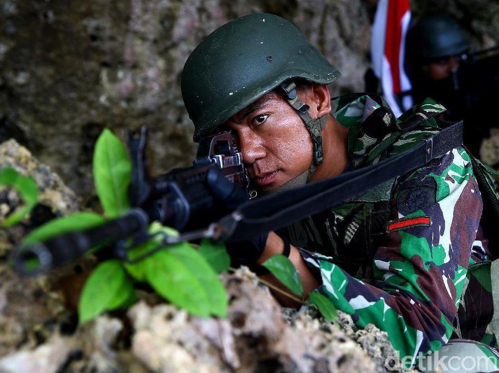 Perlukah Gaji TNI Naik (Lagi) Tahun Depan?