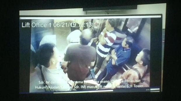 Terekam Kamera CCTV, Begini Kronologi 'Pelesiran' Idrus di RS MMC