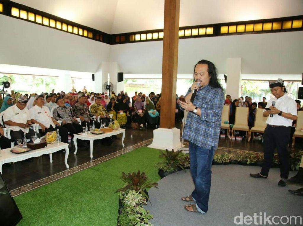 Sastrawan Candra Malik Meriahkan Festival Sastra di Banyuwangi