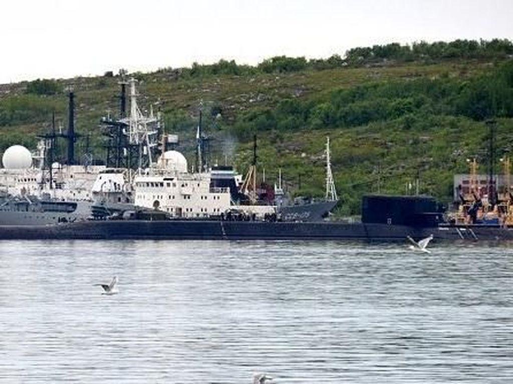 Kebakaran di Kapal Selam Angkatan Laut Rusia, 14 Kru Tewas