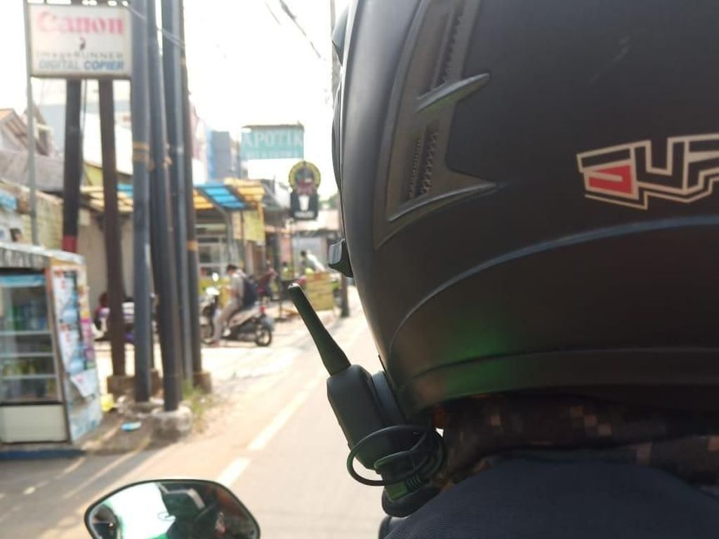 Alat Ini Bikin Helm Canggih Bisa Ngobrol Tanpa Teriak di Jalan