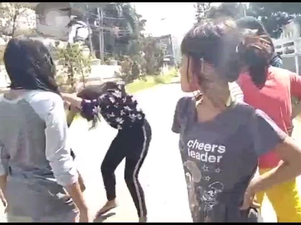 Pengeroyokan Remaja Perempuan di Surabaya yang Viral Sudah Ditangani Polisi