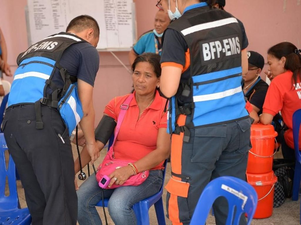 260 Orang Muntah-muntah di Pesta Ulang Tahun Imelda Marcos
