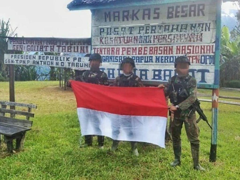 Viral Foto TNI Rebut Markas OPM, Begini Cerita di Baliknya