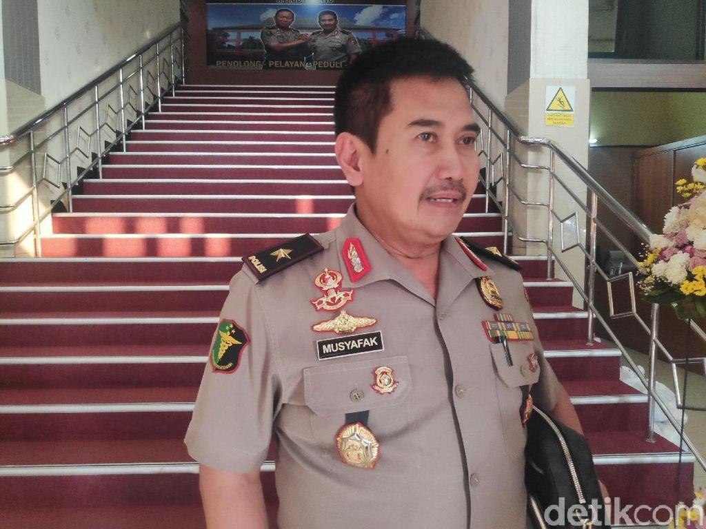 RS Polri: Aiptu Erwin yang Terbakar Saat Kawal Demo Alami Luka Bakar 64%