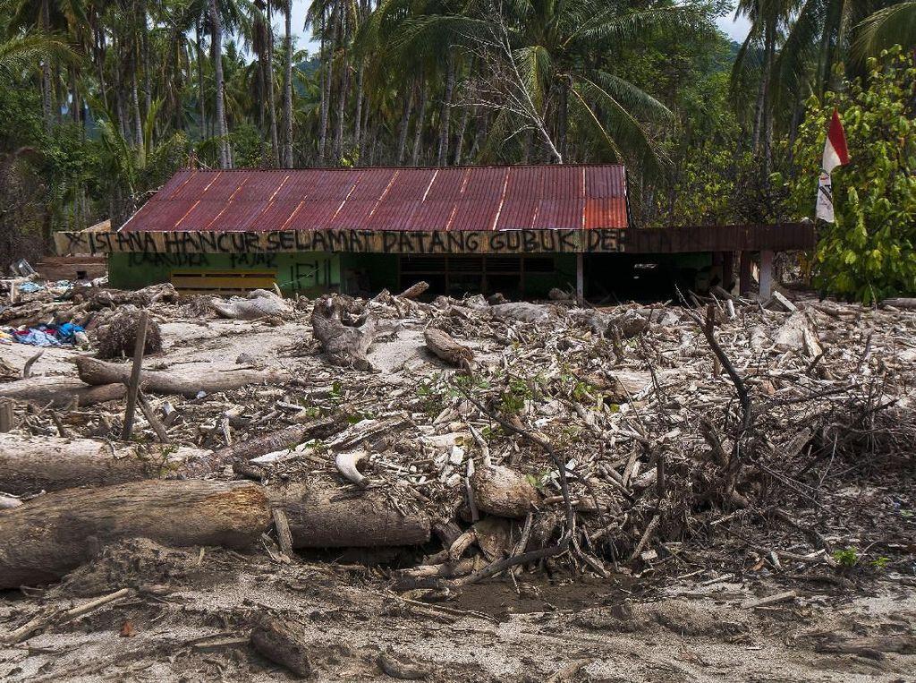 Ratusan Korban Banjir Bandang di Sigi Krisis Air Bersih