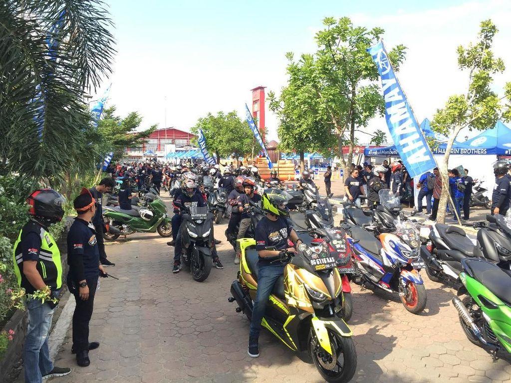 Ribuan Pencinta Yamaha Buat Sesak Maxi Yamaha Day di Palembang