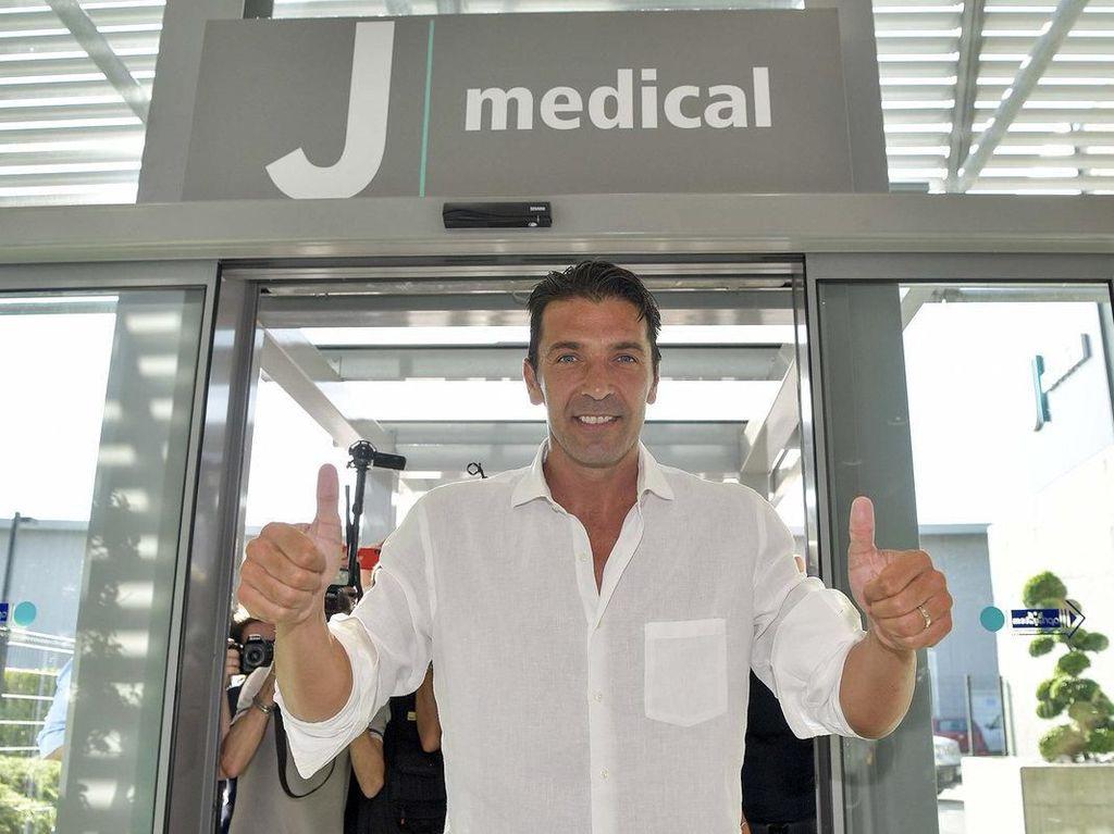 Tak Ada yang Menduga Buffon Kembali ke Juventus