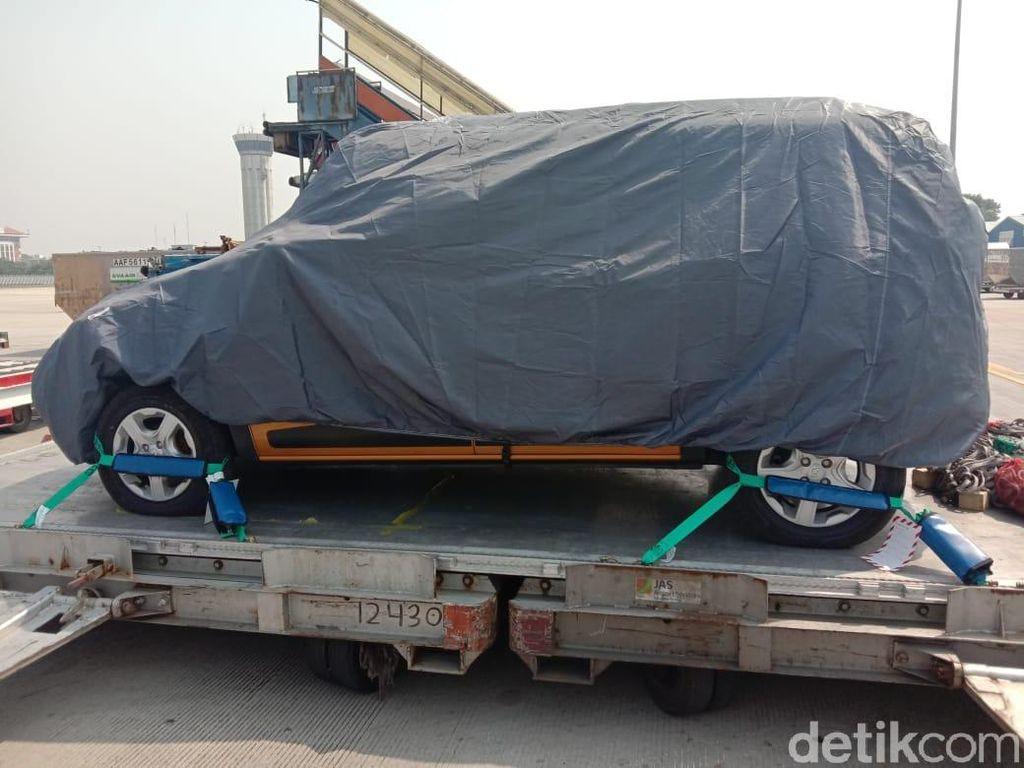 Mobil Baru Mendarat di Bandara Soekarno-Hatta, Mobil Apa Ya?