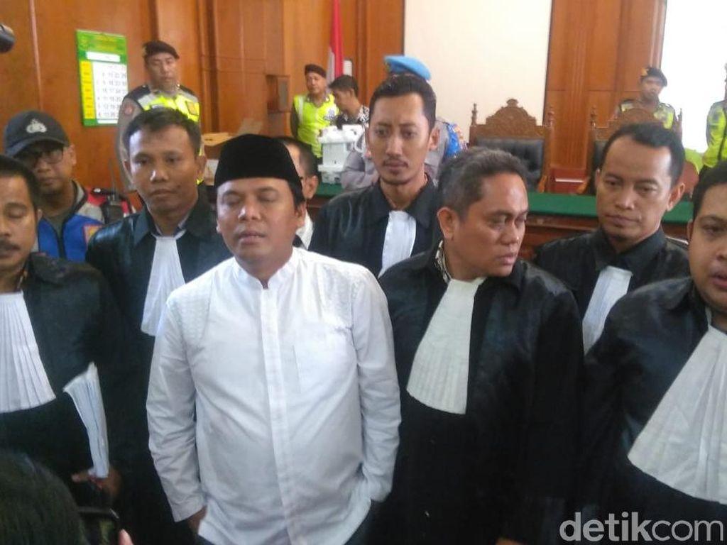 Berangnya Gus Nur Saat Sidang Kasusnya Kembali Ditunda