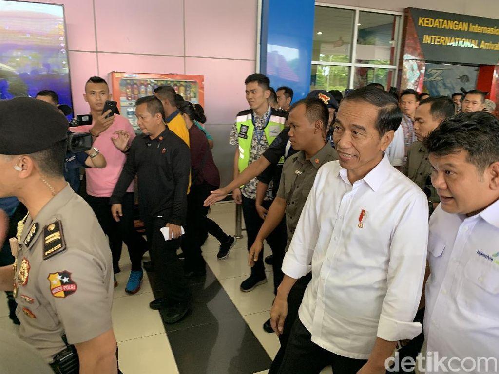 Tiba di Manado, Jokowi Tinjau Perluasan Bandara Sam Ratulangi