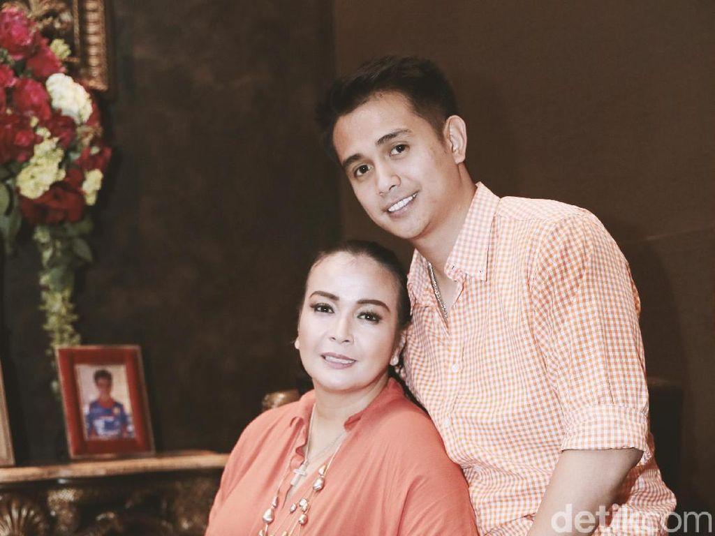 Ibunda Ajun Perwira Datang ke Jakarta untuk Rayakan Otonan Jennifer