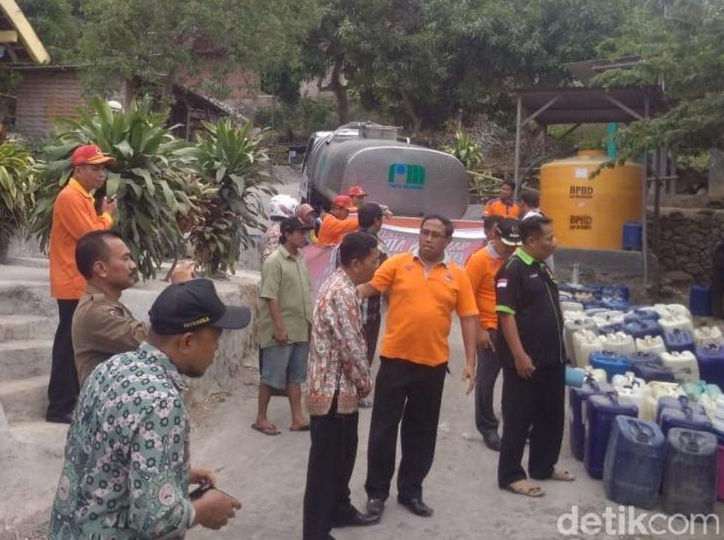 Krisis Air Landa 3 Desa di Lereng Penanggungan, 171 Tangki Air Disalurkan