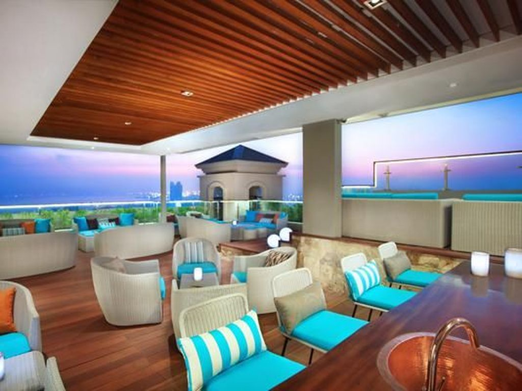 Seru! 5 Kafe Rooftop Ini Suguhkan Pemandangan Kota Jakarta dari Ketinggian