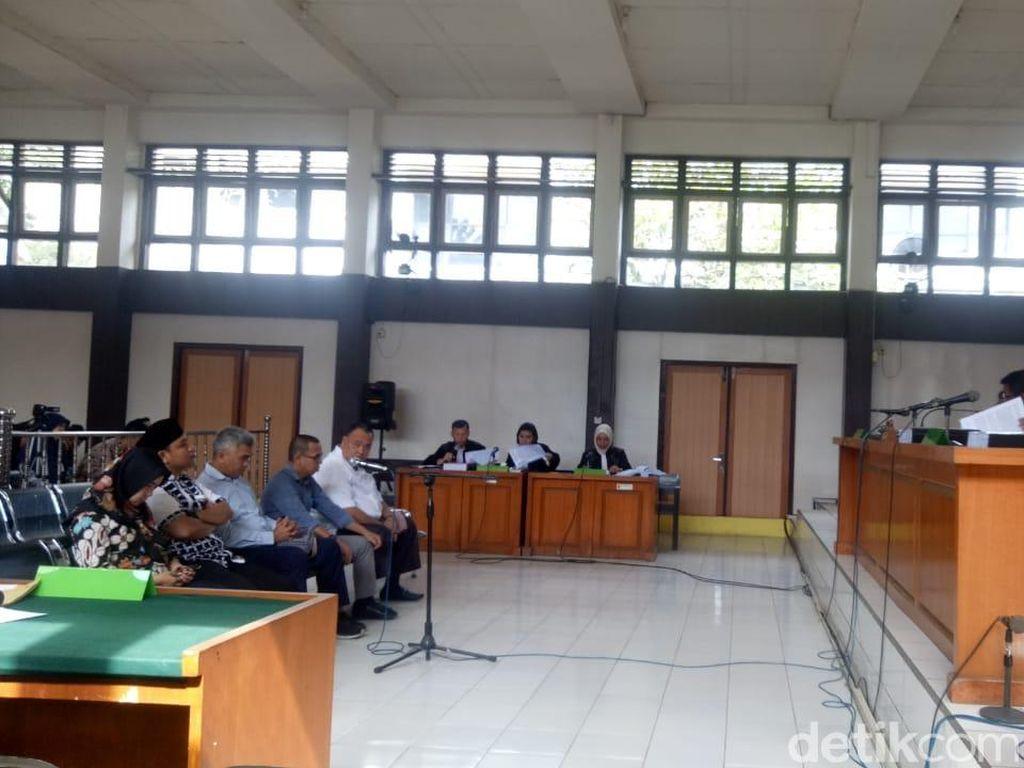 Dituntut Pidana Percobaan, 5 Komisioner KPU Palembang Ajukan Pleidoi Besok