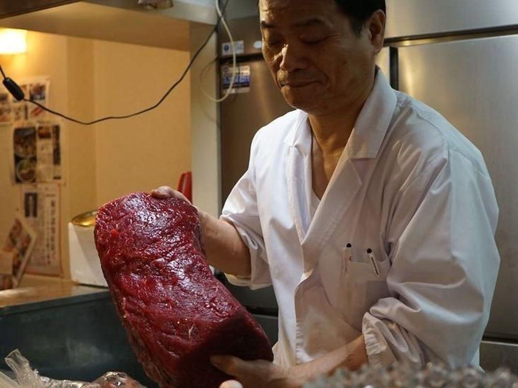 Jepang Lelang Daging Paus Hasil Perburuan Pertama Usai Larangan Dicabut