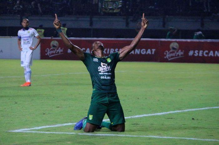 Di Stadion Gelora Bung Tomo, Jumat (5/7/2019), Amido Balde membukukan dua gol di babak pertama.