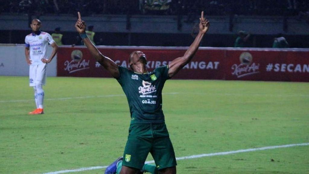 Bajul Ijo Gebuk Maung Bandung 4-0
