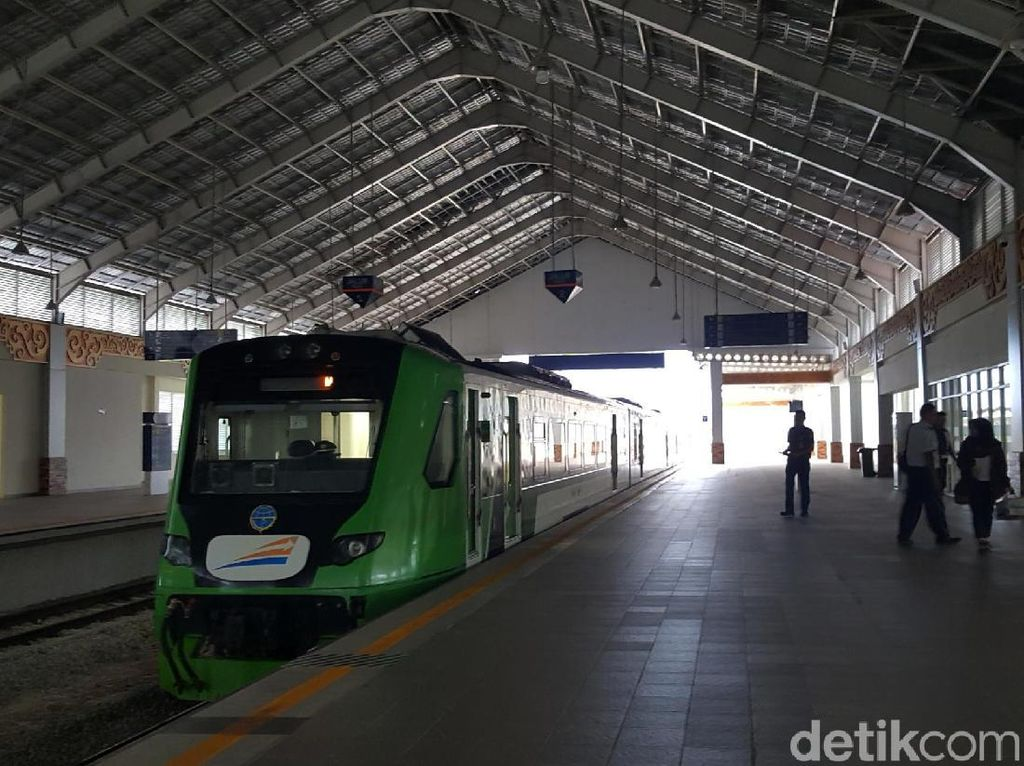 Foto: Kereta Bandara dengan Tiket Termurah di Indonesia