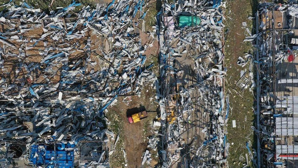 6 Orang Tewas dan 190 Lainnya Luka Akibat Tornado di China